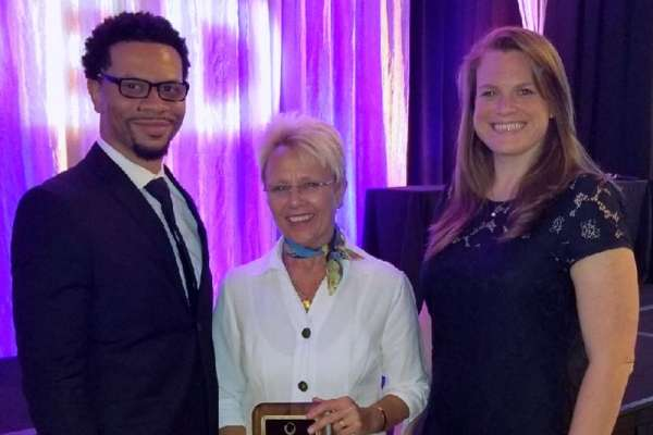 Dr. Classen receives award at ADED 2018 conference.
